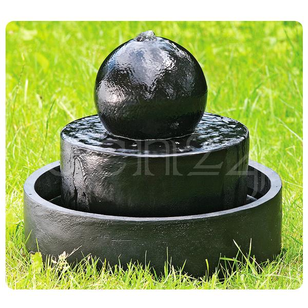 brunnen f r den garten springbrunnen wasserspiel. Black Bedroom Furniture Sets. Home Design Ideas